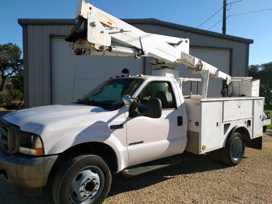 2003_ford_f-550_bucket_truck