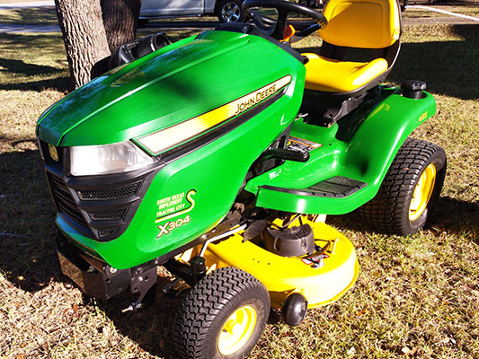 John Deere x304 Lawn Tractor For Sale
